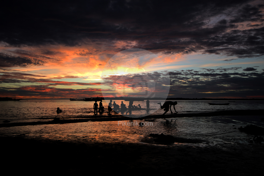 Anak Pantai Ogotua