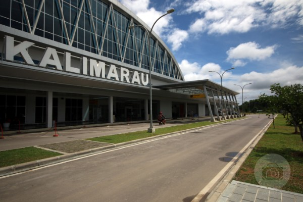 Pikenik bandara-berau-2-pikenik Masuk ke Pedalaman Dayak Traveling  wisata si Bolang SEO Pencerah Nusantara pedalaman MDGs kesehatan Kelay Kalimantan Timur journey Dayak